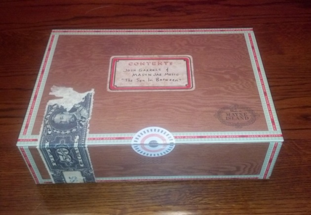 SeaBetween-box
