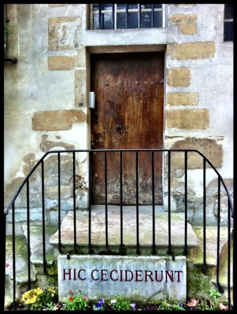 Institut Catholique plaque