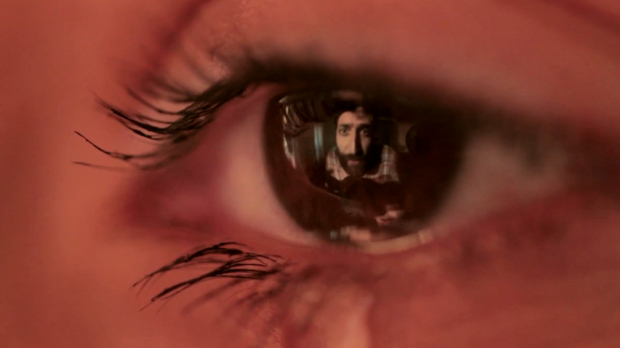 face_reflected_in_eye